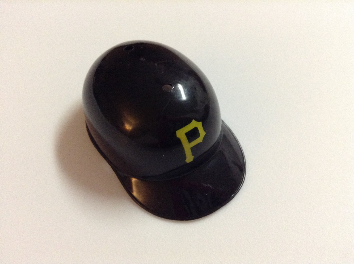 MLB Mini Helmet - Fits Barbie - Pittsburg Pirates