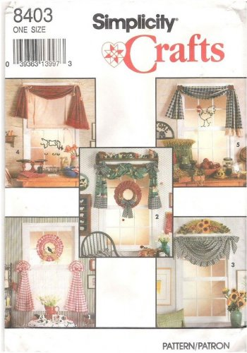 Simplicity 8403 Window Treatments Curtains and Wreath Uncut
