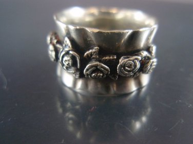 vintage israel ornate roses Band ring  sterling silver 925
