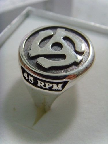 RING 45 RPM Record Adapter CENTER silver DJ EP pendant