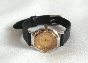 Bulova Caravelle Wrist Watch Quartz Ladies Vintage