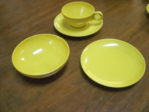25 pieces of Yellow/Harvest Gold Melamine Melmac