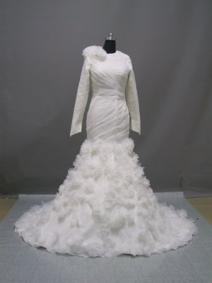 Free shipping long sleeve and high neckline wedding dress ER42