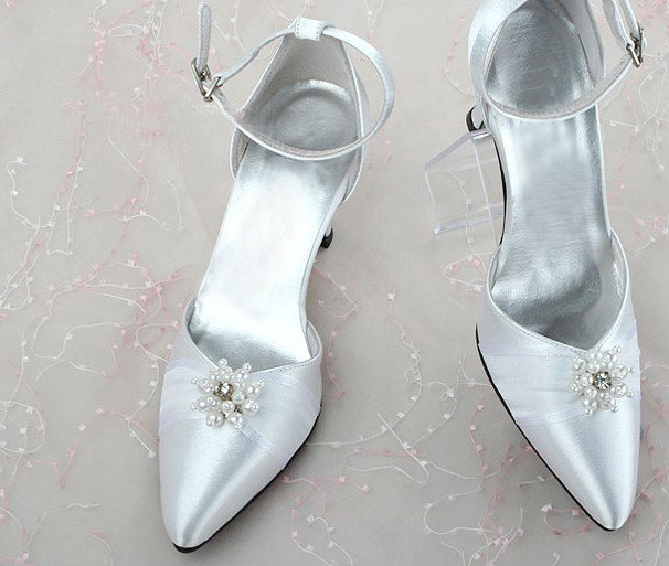 swarovski crystals and rhinestone bridal shoes S030