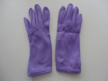 Vintage Lilac Nylon Gloves Size 6½ Perrin  7¾ Inches long.