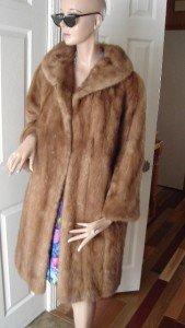 Vintage Gorgeous Light Brown Mink Fur Women Coat Size 14  Syndicat de Quebec 60s