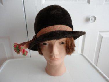 Vintage  Dark Brown Felt Women Hat XS 21  inches Made in USA