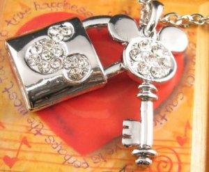 SN146 Elegant Crystal Key Lock Silver Pendant Necklace Best Gift Idea