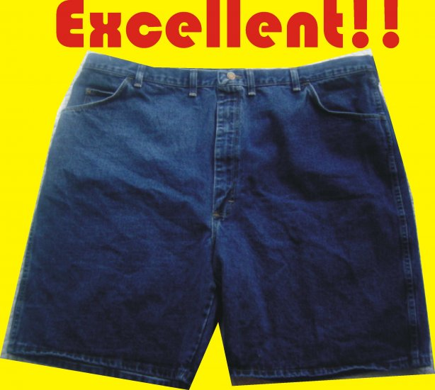 Wrangler Rugged Wear Men's Jeans Shorts 48W - Very NICE Shape!