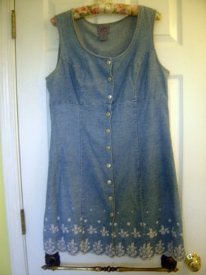 Jalate Womens Summer Dress Embroidery Size 13 SO NICE!