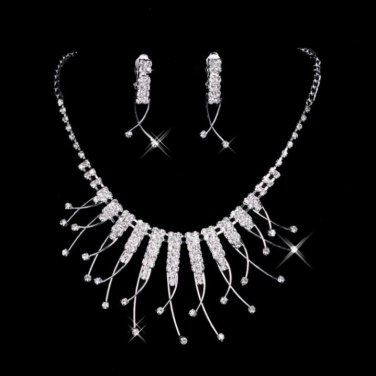 BNWT ~ Crystal and Rhinestone Necklace and Earrings Set