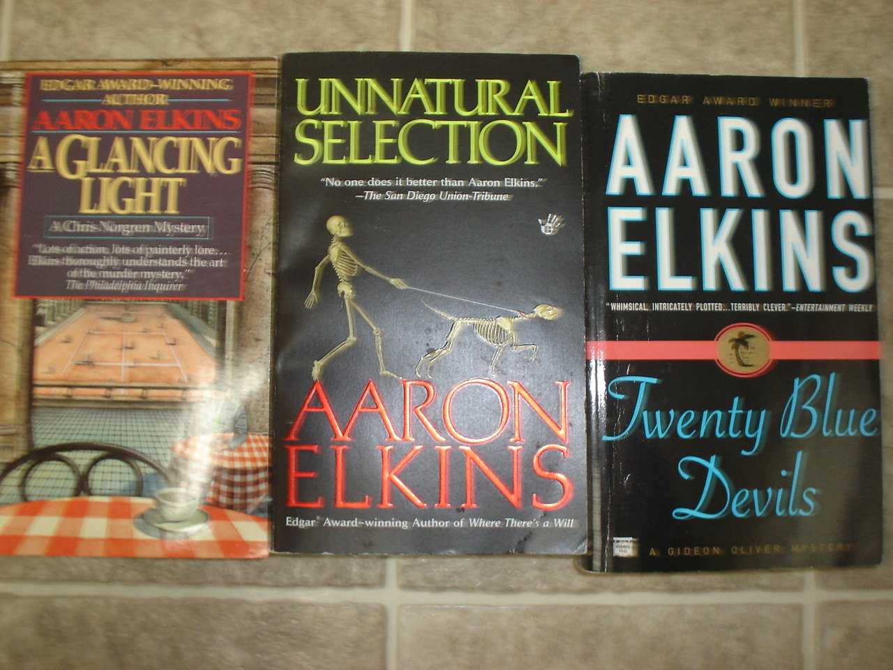 Aaron Elkins lot of 3 pb mystery books Gideon Oliver Chris Norgren