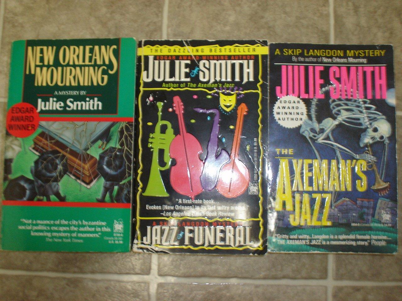 Julie Smith lot of 3 pb mystery books New Orleans Skip Langdon Edgar Winner