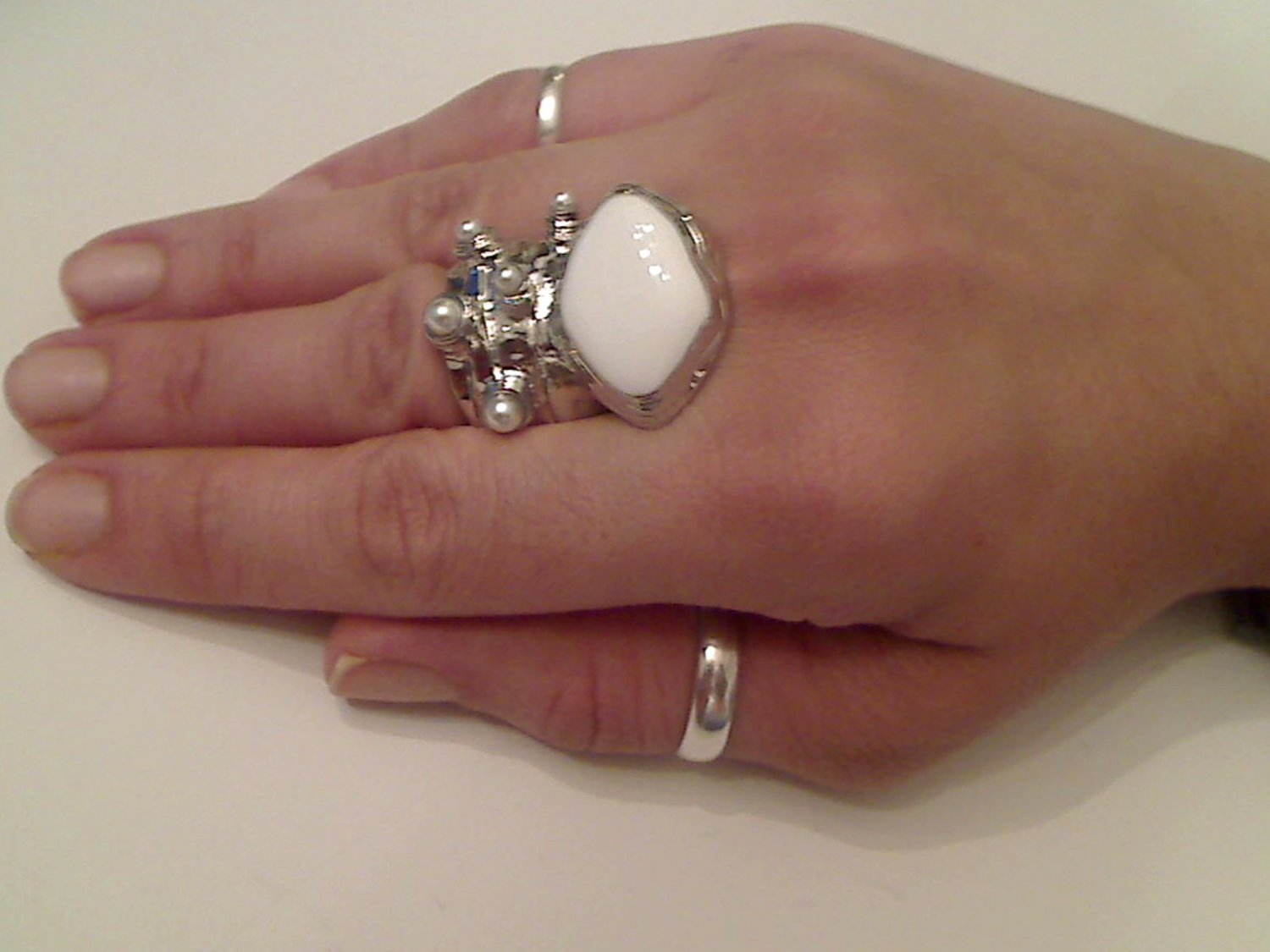 WHITE ARTY CHUNKY SPIKEY MOON KNUCKLE RING IN SILVER SIZES 7*8*9*10