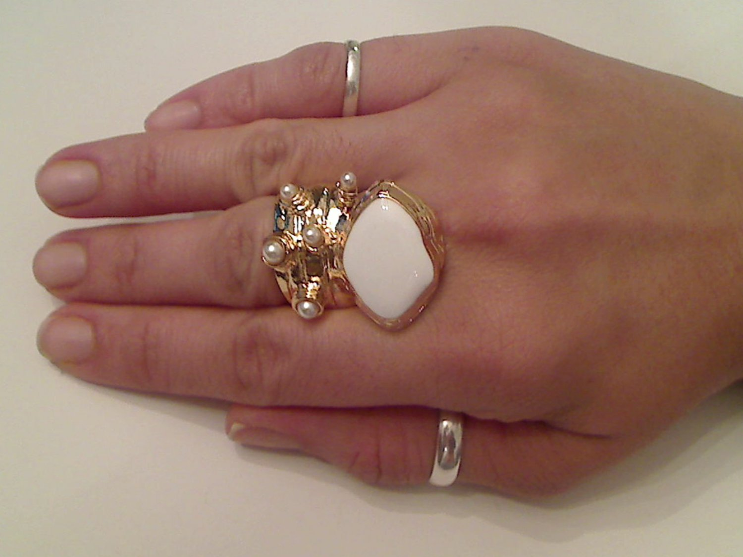WHITE ARTY CHUNKY SPIKEY KNUCKLE RING IN GOLD