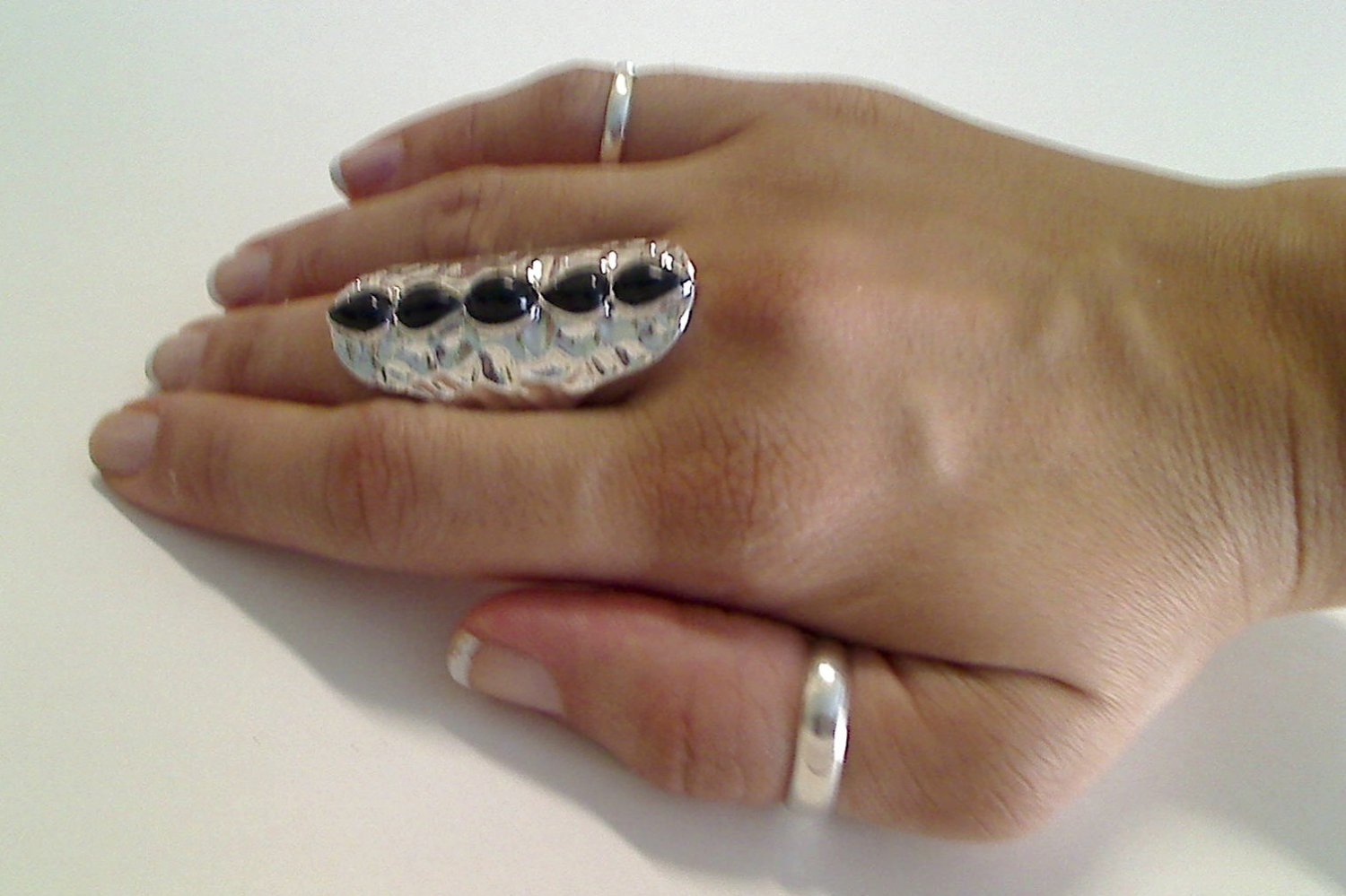 SILVER KNUCKLE 5 BLACK STONE RING SIZES 8 AND 9
