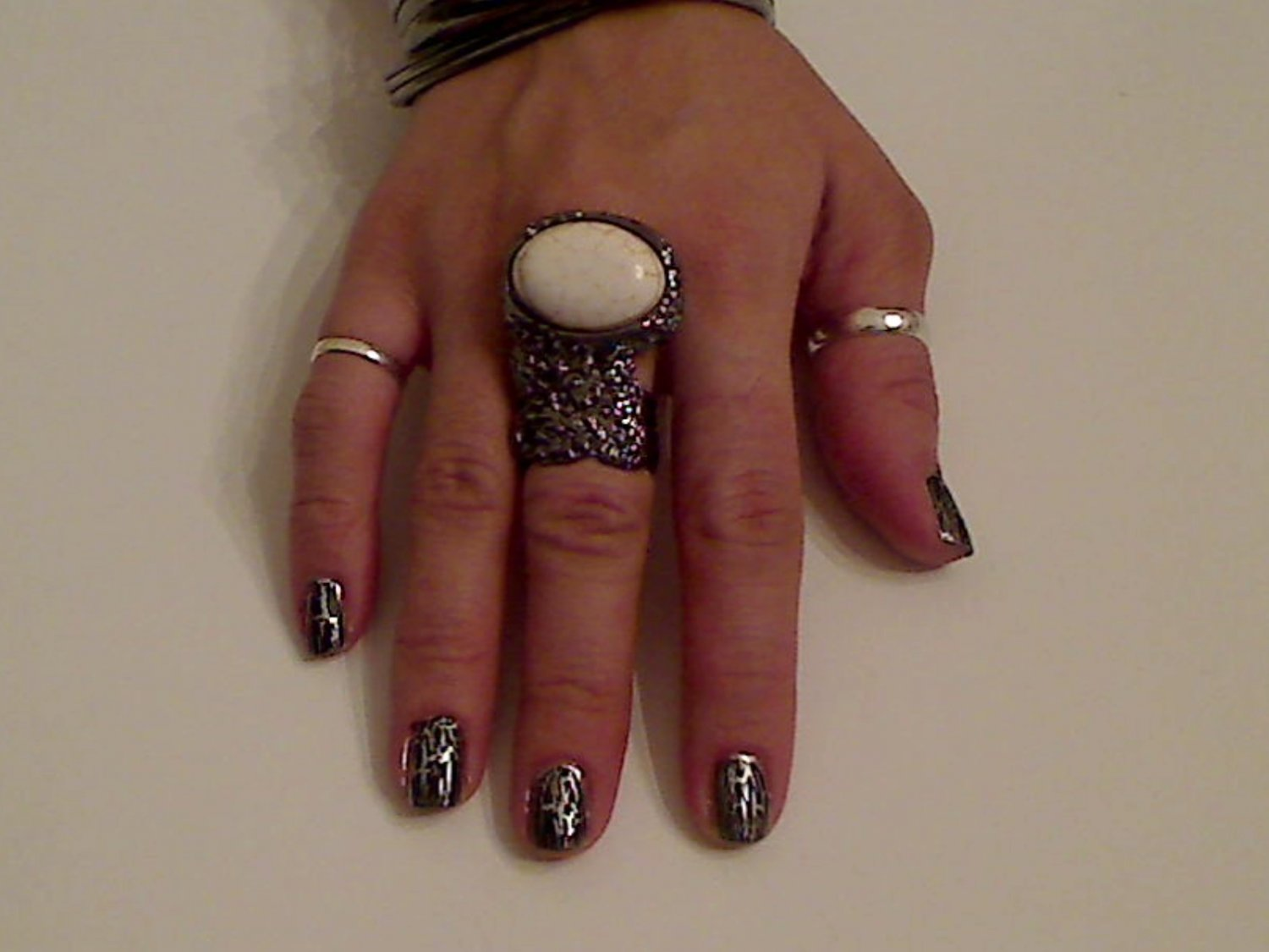 CREAM ARTY CHUNKY MOON KNUCKLE RING IN GUN METAL SIZES *6*7*8*9