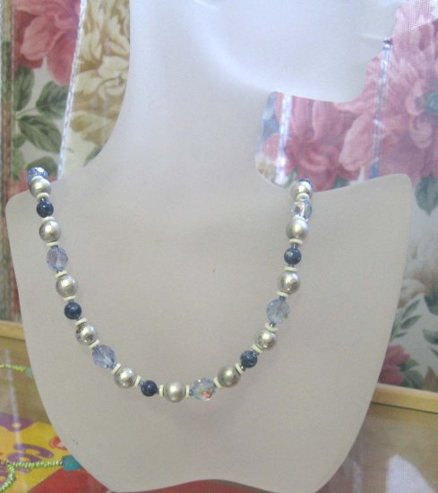 Fashion jewelry: blue and white necklace by Lucine - wholesale