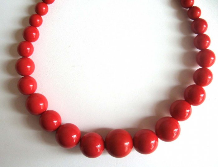 Red Graduated Necklace - make a statement - wholesale price - free sh/h