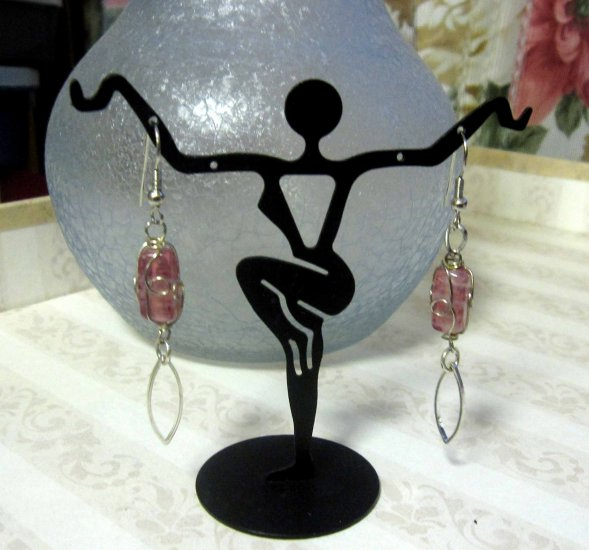 Handmade wirework pink drop earrings - 335E