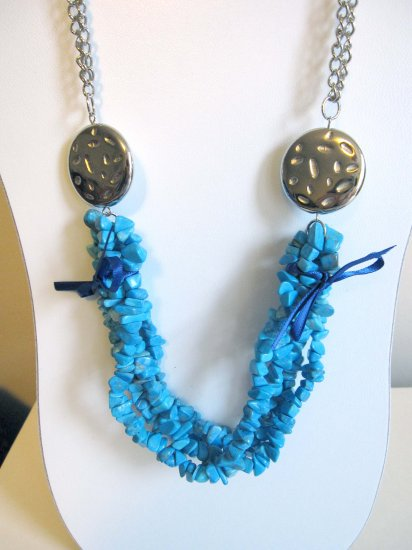 Blue howlite statement necklace - trendy fashion necklace