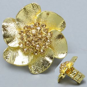 Gold strechable flower ring with light topaz crystals - FREE sh/h