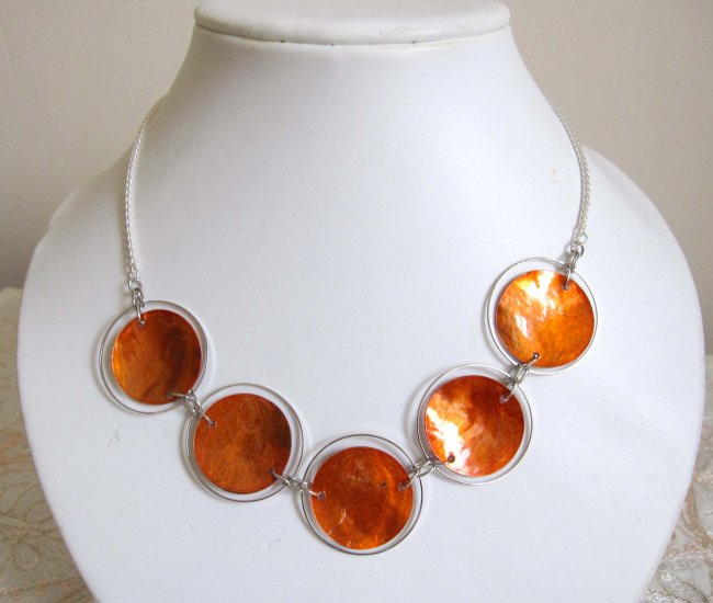 Trendy orange fashion necklace - mother of pearl circles