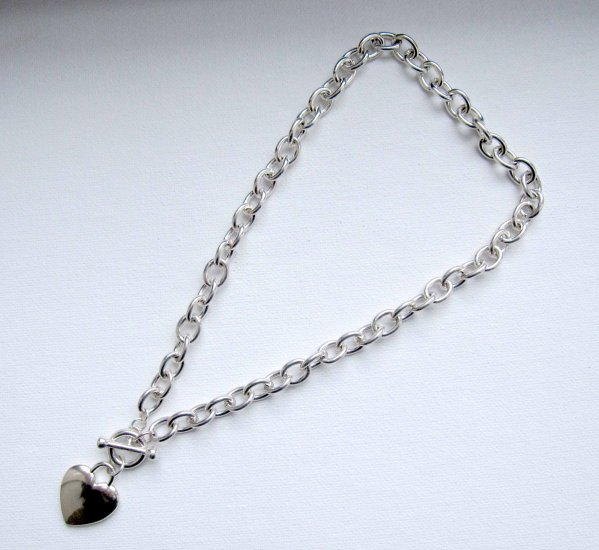 Brand new designer style heart necklace with toggle clasp
