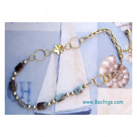Trendy fashion jewelry: semiprecious necklace with flower and links OOAK - 460N