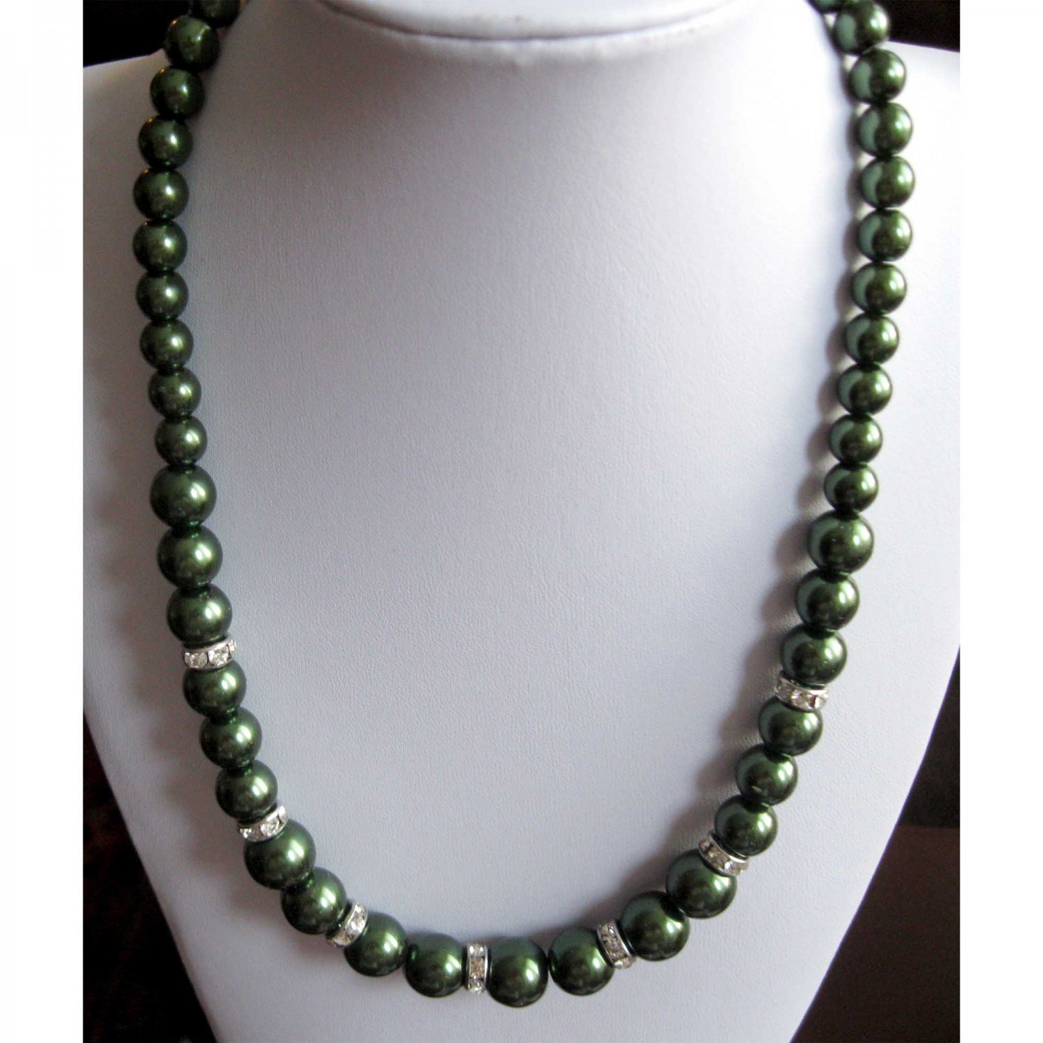 Green faux pearl necklace with crystal rondelles