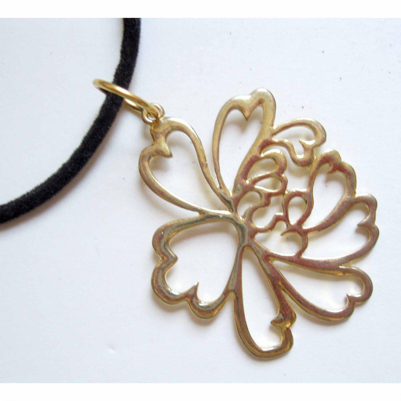 Gold flower trendy fashion pendant with free velvet cord