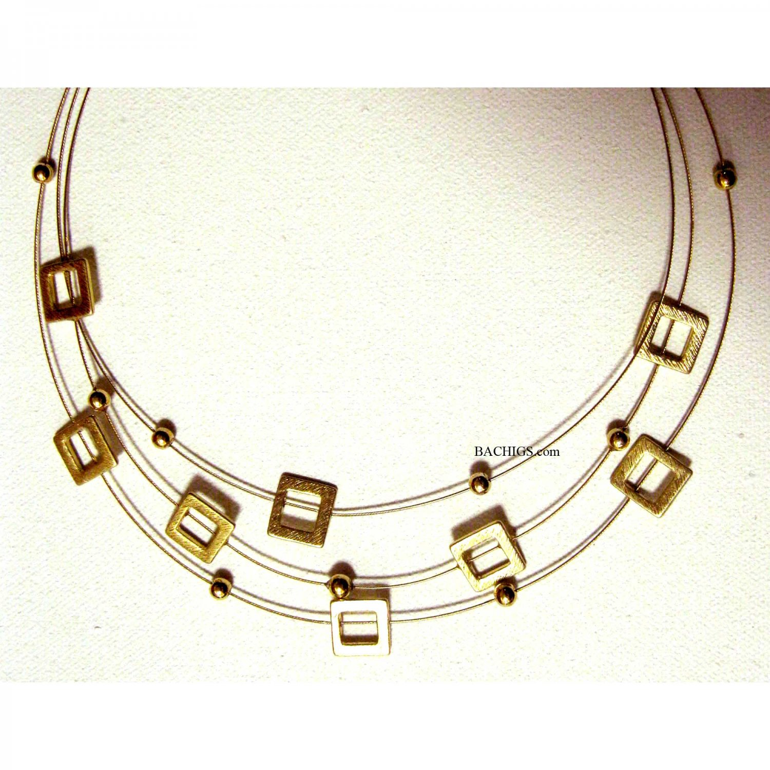 Gold fashion necklace 3 rows of squares