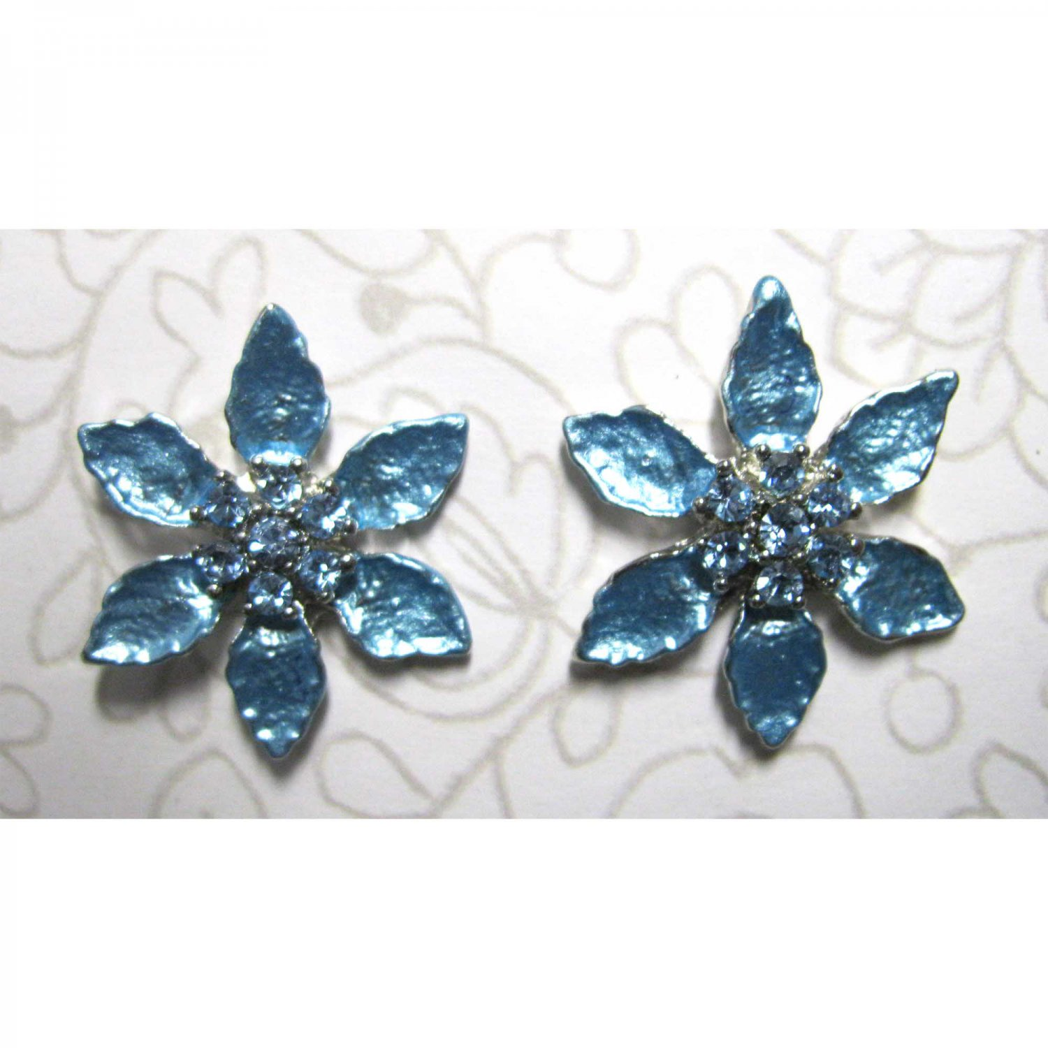 Blue flower with crystals fashion earrings