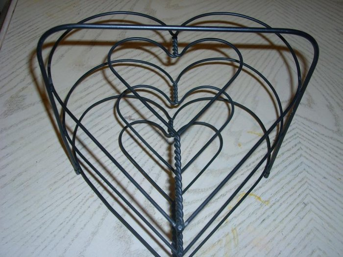 Three Tier Heart Pie Rack