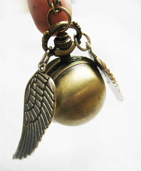 Enchanted Golden Snitch Ball Locket WATCH with silver Wings from Harry Potter BZ36