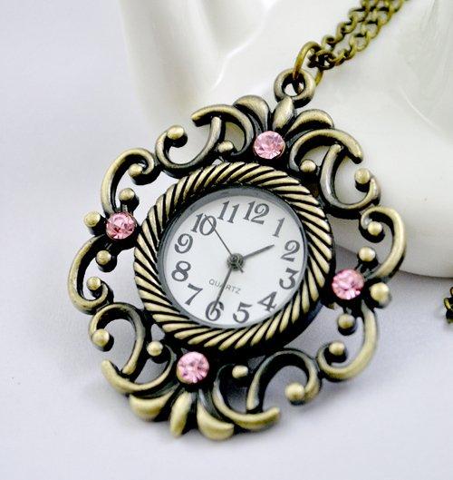 Retro pocket watch necklace grilles
