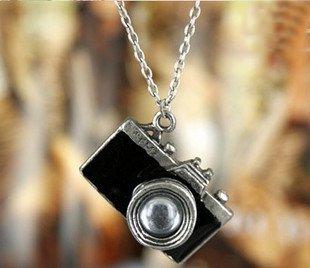 Retro style camera necklace, Black