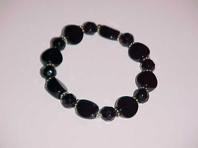 (SOLD) Classy Multi-Faceted Black Beaded Stretch Bracelet 7 inches