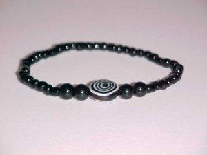 Black Hypnotic Eye Beaded Stretch Bracelet 7 inches