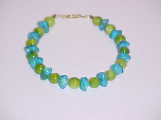 Turquoise and Green Beaded Bracelet 7.5 inches