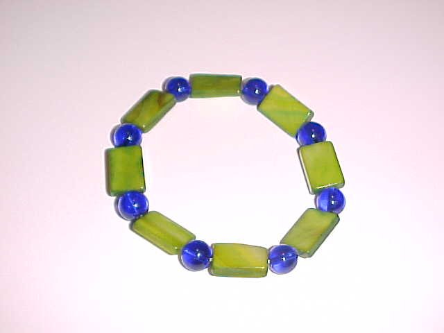 Green and Blue Beaded Stretch Bracelet 7.5 - 8 inches