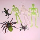 1 Lot of Plastic Halloween Decorations
