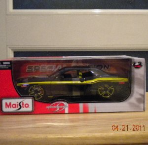 2010 Maisto Special Edition 2006 Dodge Challenger Concept 1:18