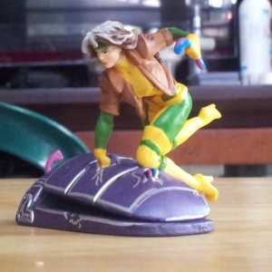 "Rogue Marvel Disney Store Exclusive 2"" - 2.5"" Mini Figurine"