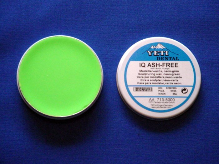2226 Yeti IQ Wax Tin - Neo Green 45g
