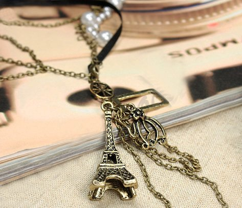 From Paris with Love: Eiffel Tower Faux Pearl Necklace
