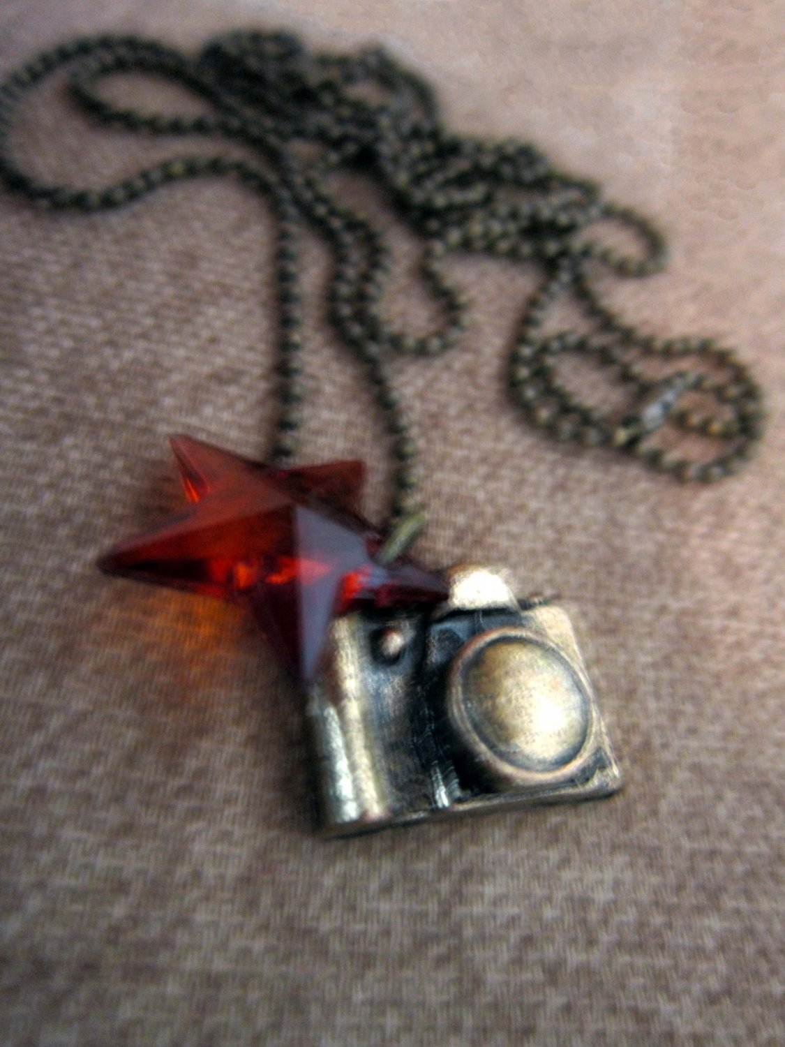 Paparazzi Diva Camera Charm Necklace �CLEARANCE�
