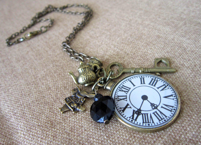 Alice in Wonderland: Charm Necklace