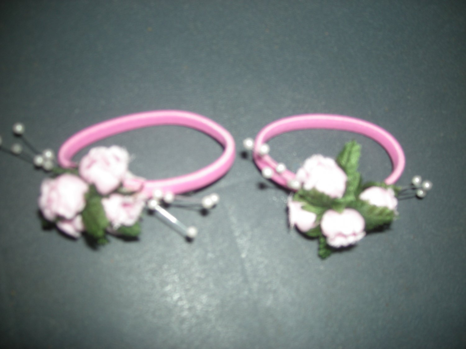 Pink small roses pony tail set