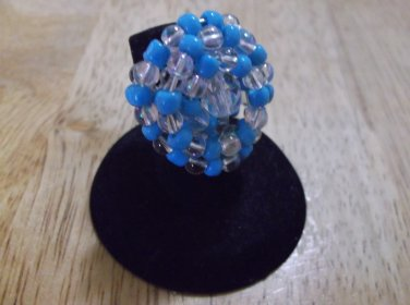 Blue glas beads and crystals ring size 6